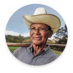 ecobeef-outfarm-farmer1